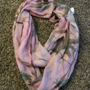 Real tree camo scarf
